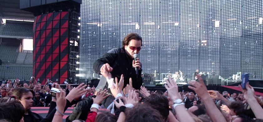 Bono au Stade du Roi Baudouin, le 10 juin 2005.