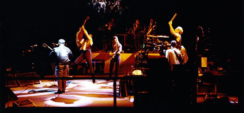 U2 en duo avec B.B. King lors du Lovetown Tour.
