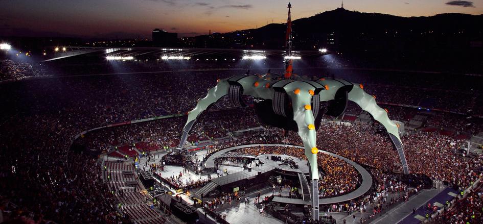 La majestueuse The Claque à quelques minutes de l'ouverture du 360° Tour à Barcelone.